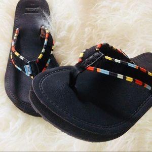 691e9176ae9 Toms Shoes - Toms woman s burlap multi trim solana flip-flop